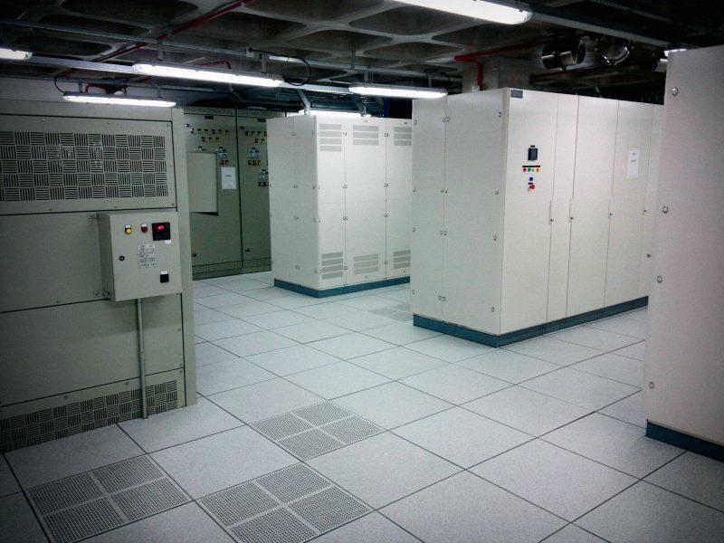 piso-elevado-em-data-center